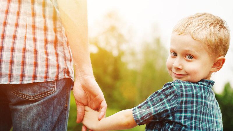 Những đứa trẻ thông minh thường được ông bố quan tâm