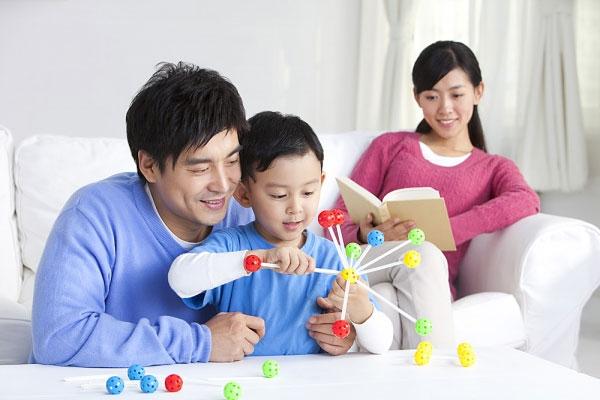 Trẻ 2 tuổi trí nhớ thiên tài